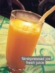 Farbror Nikos café & galleri: Färskpressad apelsinjuice