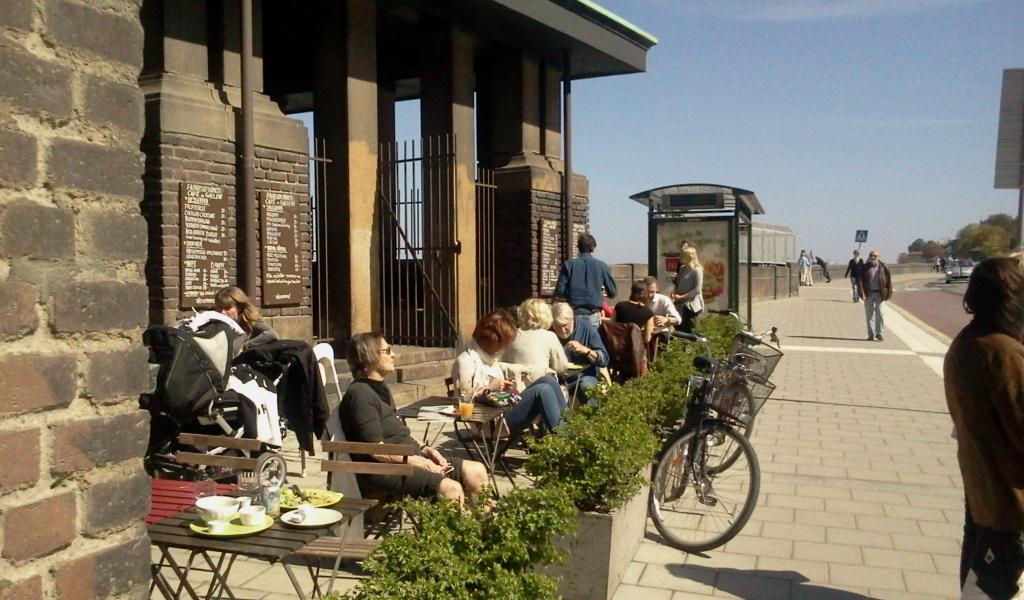 Farbror Nikos uteservering och paviljong på Katarinavägen 19 nära Slussen, Stockholm