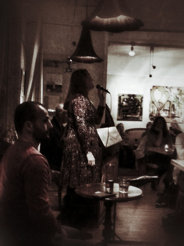 20 november: After work och jazz med Zoie Finer duo på Farbror Nikos restaurgang, café & galleri