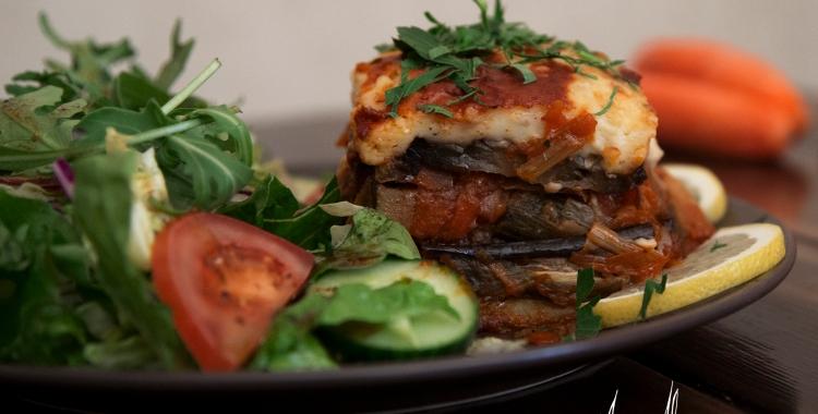 Laktos- och glutenfri vegetarisk moussaka - Nikos egen favorit