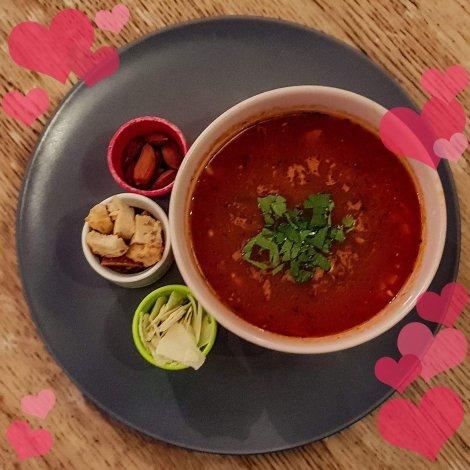 Vegansk tomatsoppa på Farbror Nikos café